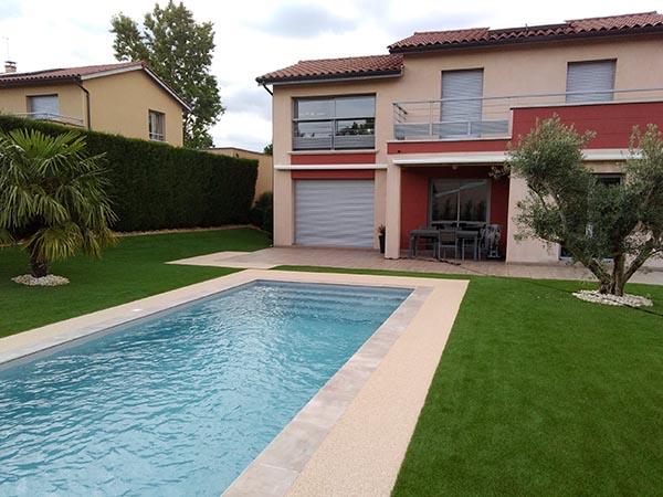 jardin piscine gazon synthétique naturel 35