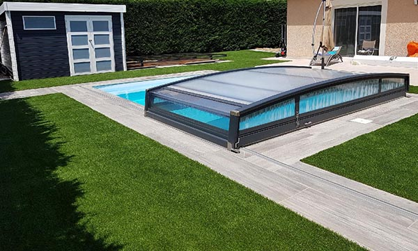 gazon synthétique supra abords de piscine